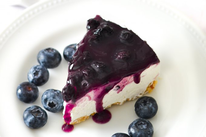 Easy No-Bake Blueberry Cheesecake